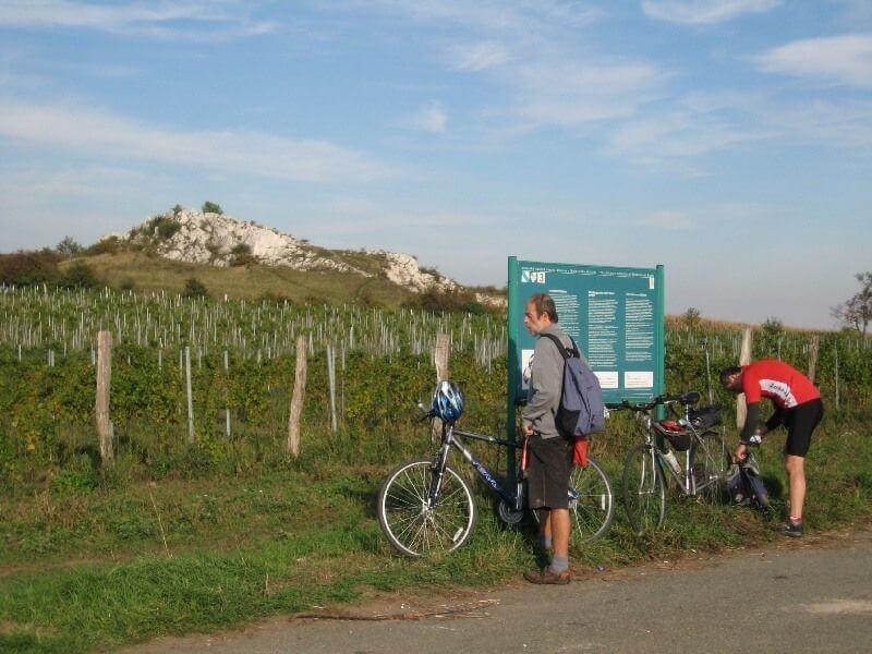Cyklisté u Pavlova a Děviček